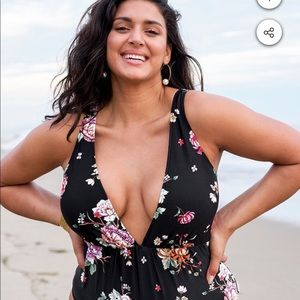 Cupshe One Piece Swimsuit with Plunging Neckline